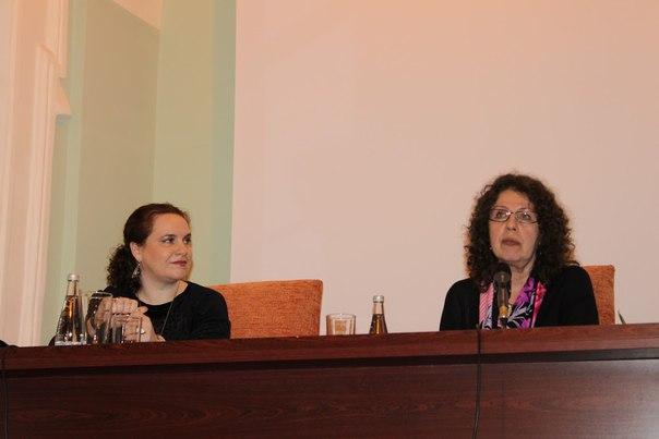 Полный отчет о встрече с писателем Александрой Марининой, а также фотоальбом встречи размещен на сайте библиотеки: http://lib.herzen.spb.ru/news/show/163