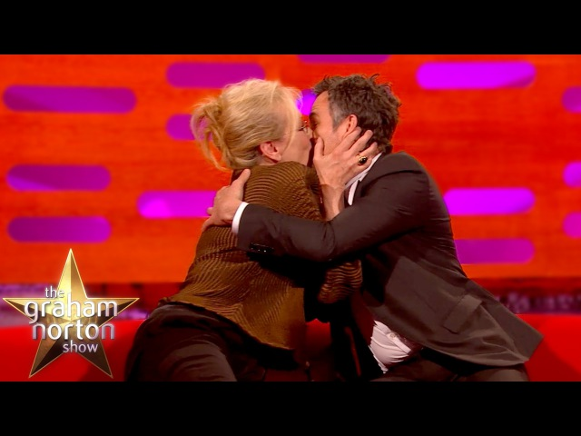 Meryl Streep Kisses Super Smooth Mark Ruffalo The Graham Norton Show