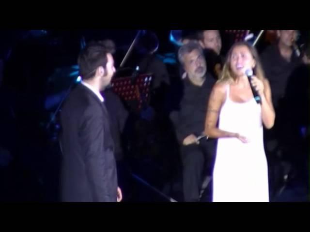 Serena Brancale Quanno Chiove with il Volo Teatro greco di Taormina .