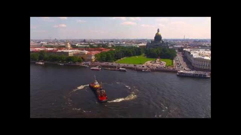 Речной карнавал в Санкт Петербурге Вальс буксиров