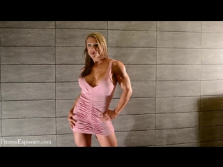 Female Muscle Susanna Tirpak Photoshooting