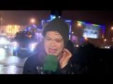 В Ирландии женщину-репортера снесло дорожным знаком