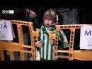 El Real Betis desata la locura en Barcelona Acto de firmas de Adán y Petros