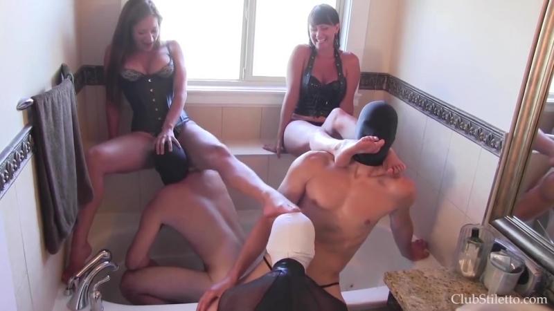 Оргия в туалете, Licking, sucking, pissing and drinking orgy in