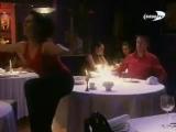 Девушка пукает в ресторане!