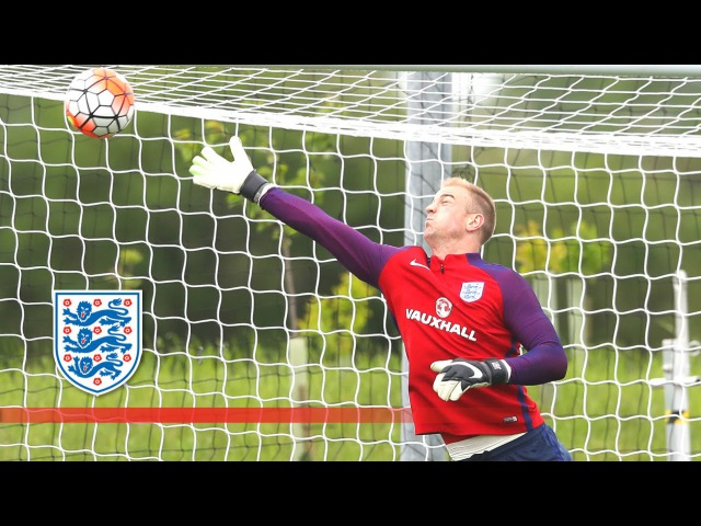World class GK reactions from Hart, Forster Heaton (England Goalkeepers) | Inside Training