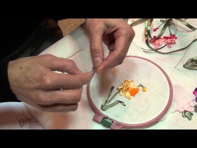 Вышивка лентами МК от Людмилы Махнёвой Нарцис бутон