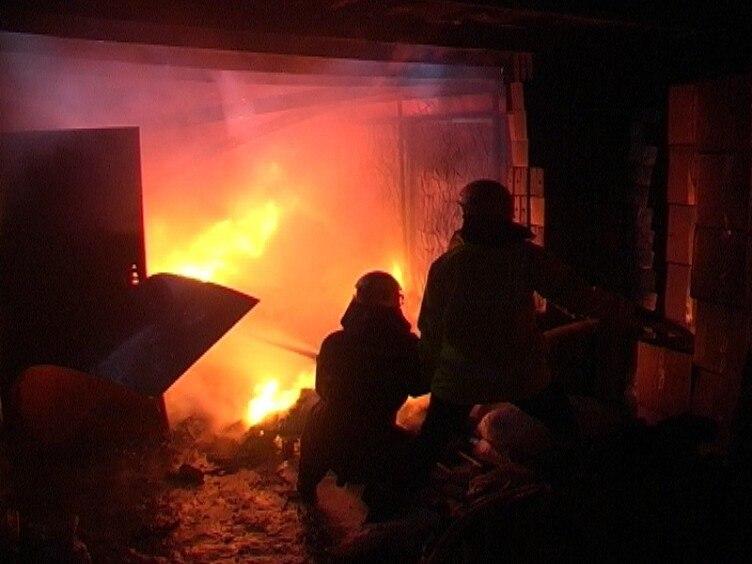 В Таганроге после тушения пожара сотрудники МЧС обнаружили труп мужчины