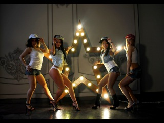 Красивый танец бути дэнс,девушки трясут задницами гоу гоу,тверк Booty dance, the girls shaking ass