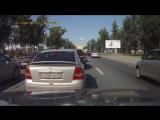 Skoda застопорила движение на Пулковском шоссе....