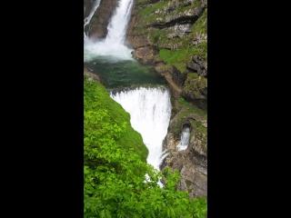 Водопад в Словении.