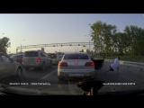 Новосибирск. Танцы в пробке. 11.06.2016 г. Dancing in traffic. Novosibirsk. Russia