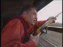 Жириновский --VIP--охота на ворон ( депутат Бабаков подносит патроны)