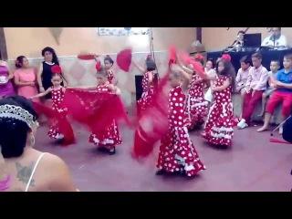 Niñas bailando flamenco en la boda de Manuel Jesus y Amanda