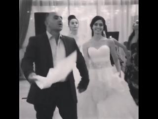 Ассирийская свадьба .