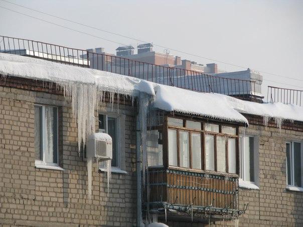 Харьковчане не дают работать спасателям (ФОТО)