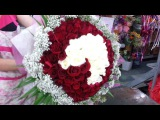 Florist in Singapore Making of 99 Roses Heart Shape Hand Bouquet
