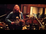 The Wood Brothers - In The Studio Keep Me Around