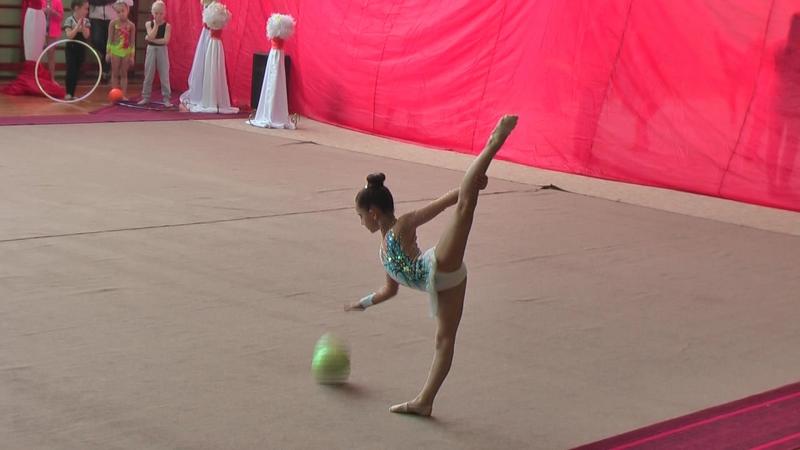 Влада Курбакова 2008 г.р.( мяч)Запорожье