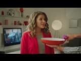 Как имитировать радость от ненужных подарков - актриса из клипа про «лабутены»