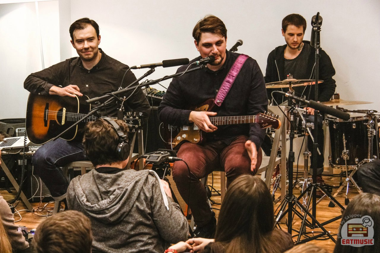 Концерт Sofar Sounds Moscow в Букводоме
