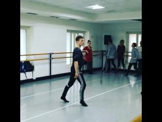 "Ferdinando Arenella on Instagram: ""@olafurarnalds#arenella#modern#dance#lyceum#naples#italy"""
