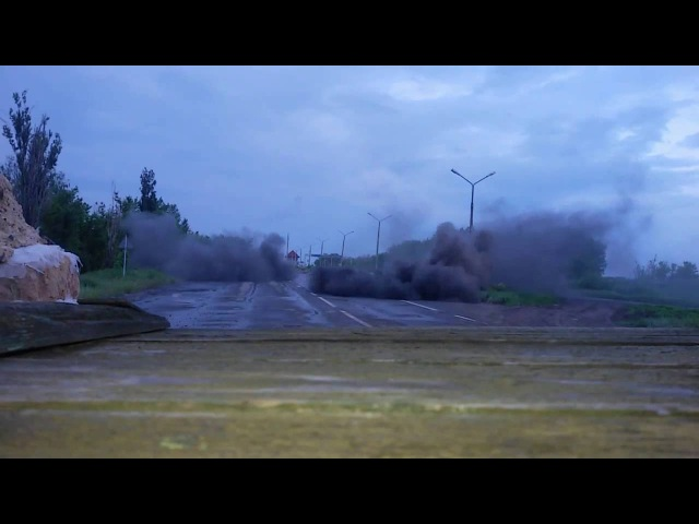 Донецк под обстрелом Жесткий бой у Ясиноватского блокпоста 31 05 2016