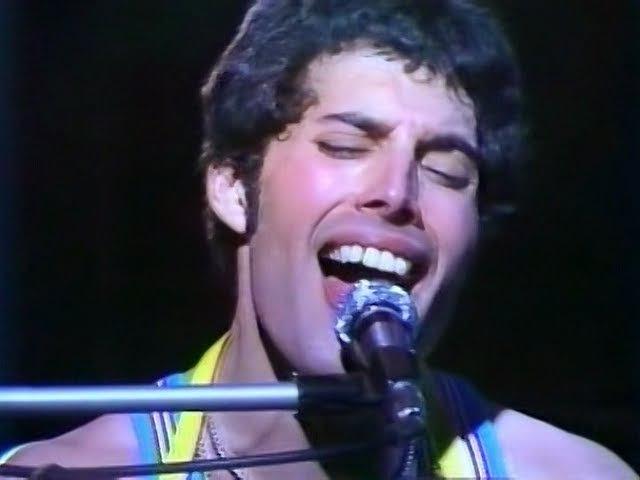 9 Bohemian Rhapsody Queen Live in Tokyo 1979