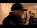 Лидер Limp Bizkit выпил водки со старушками в глухой оренбургской деревне: видео