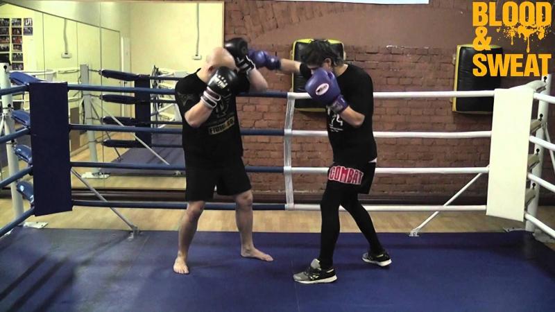 Бокс. Встречный апперкот в корпус. Boxing. Counter uppercut to the body.
