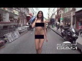 Exhibitionist sexy girls walking naked in Paris!