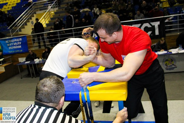 Amazing elbow foul :) , 23th Ukraine National Armwrestling Championship 2016 │ Photo Source: Ukraine Armwrestling Federation