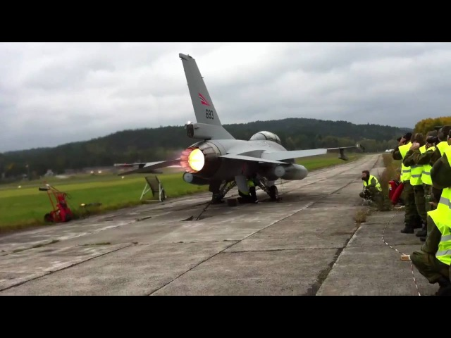 F-16 Full Afterburner - 11 litres fuel per second!