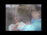 ♫♪Голубые береты► -дочка с папой говорит у портрета стоя