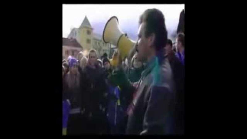 Отець Арсенич Виступ на майдані 2 грудня