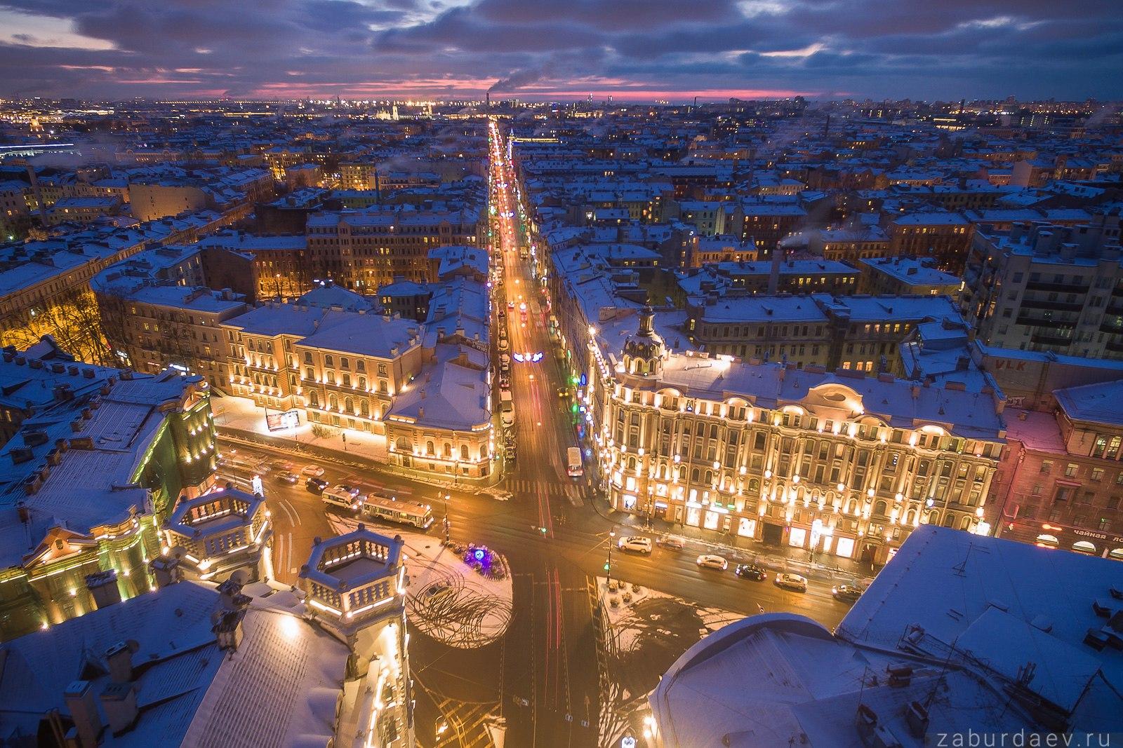 Площадь Льва Толстого в Санкт-Петербурге