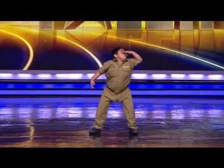 Маленький танцор на индийском шоу талантов