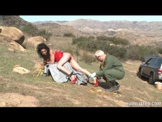 Иранская тёлочка Persia Pele дождалась своего авторемонтника, который связал её и выебал