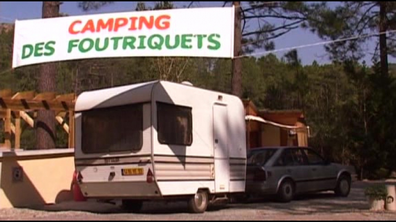 Русский перевод des foutriquets camping