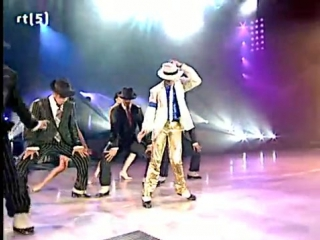 Michael jackson -  smooth criminal    (bau'k)   m i c h a e l   j a c k s o n   -   s m o o t h   c r i m i n a l  (король поп м