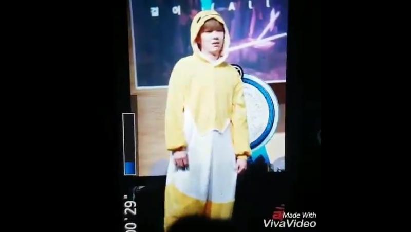 [FC VK][12.06.2016] Monsta X Fansign Dong Seoul Art Hall (Kihyun)
