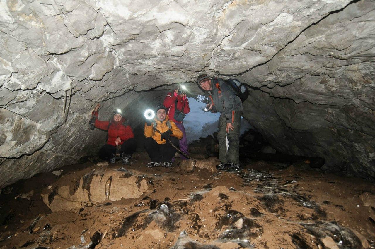 В пещере Первомайской