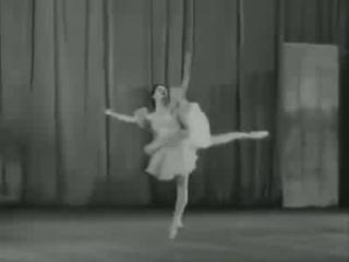 Ekaterina Maximova, 18 anos. 1957