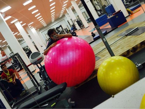 Розовый мяч Новогорска & Индивидуальный чемодан фигуриста KHbtu9_BTJc
