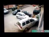 Девушки за рулем =) Авто приколы на дорогах. Лучшее видео 2016 #3