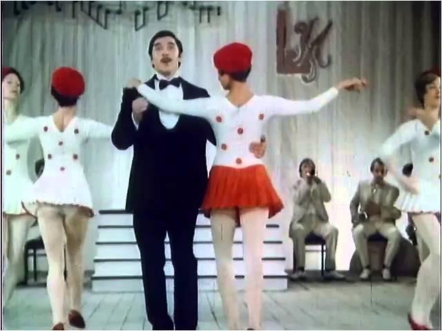 Виталий Псарёв - Шла девушка по улице Милана (Из х\ф В старых ритмах СССР 1982)