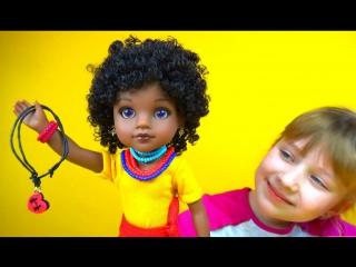 Необычная темнокожая кукла Ния Распаковка игрушки Dark-skinned doll Niya Unpacking toys