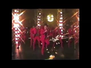 Matthew Perry vs Bruno Mars