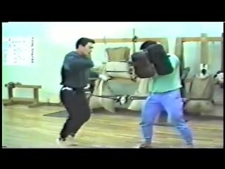 Тренировки Мацуи Акиёси- Чемпиона мира по Киокушинкай 1987 года.