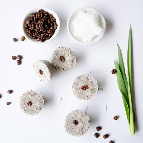 scrub al caffè e olio di cocco per la cellulite